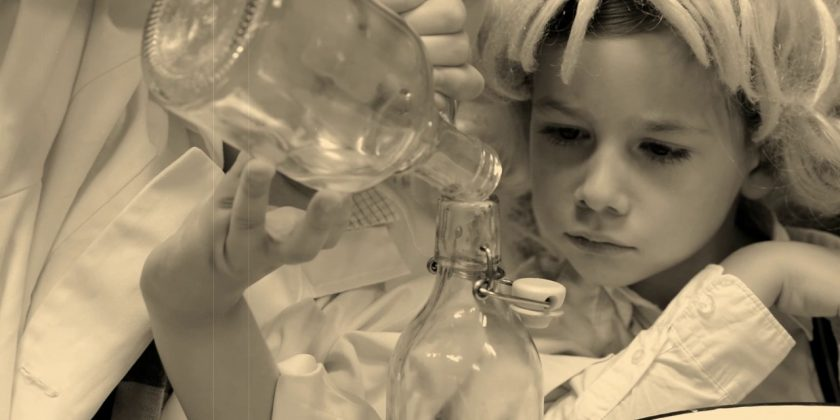 """""""Eksperyment"""" – film grupy """"Mali Naukowcy"""""""