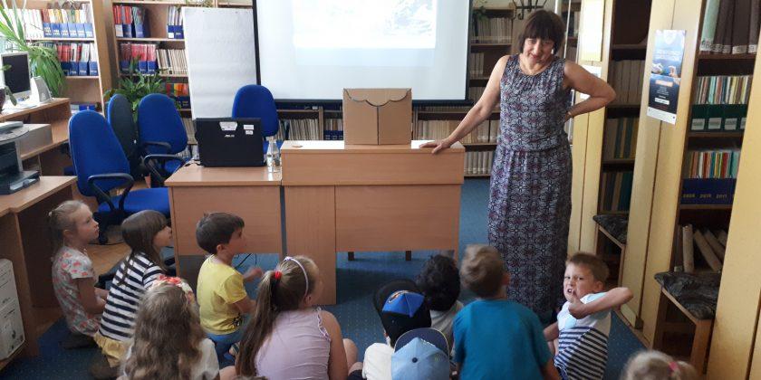 Zajęcia czytelnicze w gdyńskiej filii Wojewódzkiej Biblioteki Pedagogicznej