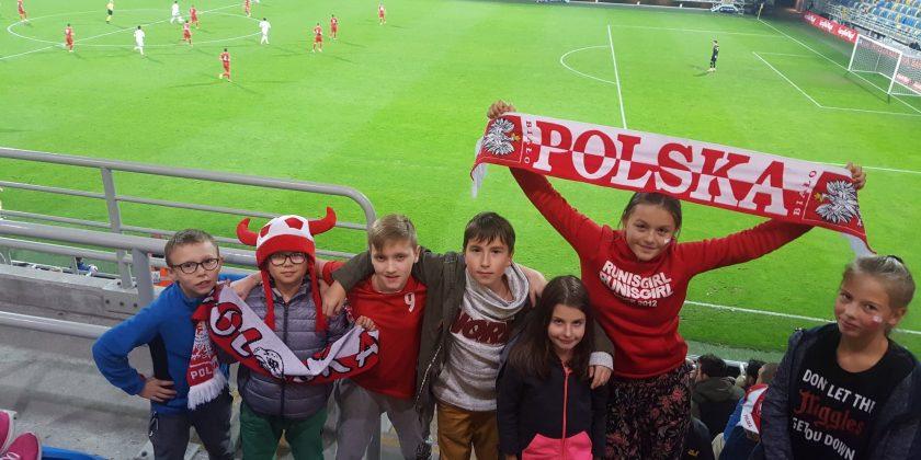 Uczniowie na meczu U-21 Polska-Gruzja