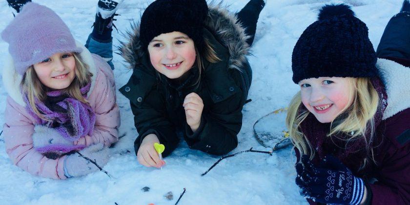 Piątkowe zabawy na śniegu