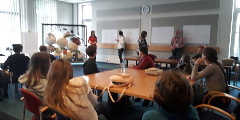 World Café z uczniami SP26 w IOPAN